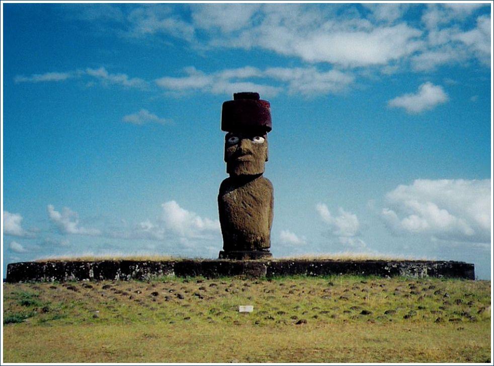 023bis- Ile de Pâques, Easter island, Isla de Pascua, Rapa Nui- Hanga roa, Moai, Tangata Manu, photos février 2002, Ahu sites Tongariki, Anakena, Vinapu, Rano kau, Rano Raraku, GeoMar