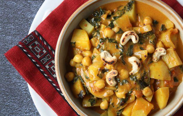 Curry pommes de terre, pois chiches, épinards parce que tous les moyens sont bons…