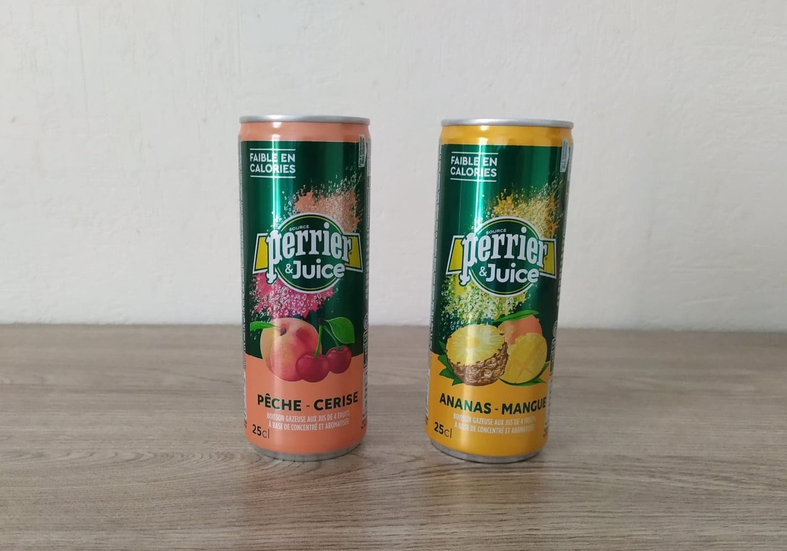 Duo de boissons aux fruits Ananas-Mangue ou Pêche-Cerise PERRIER JUICE