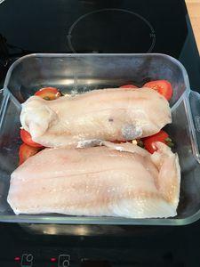 Filet de poisson tomates et câpres - au four