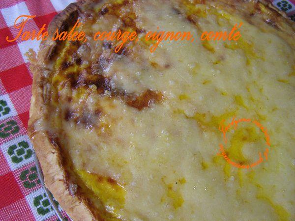 Tarte salée, sur pâte feuilletée, courge, oignon, comté Jaclyne www.cuisineetgourmandise.fr