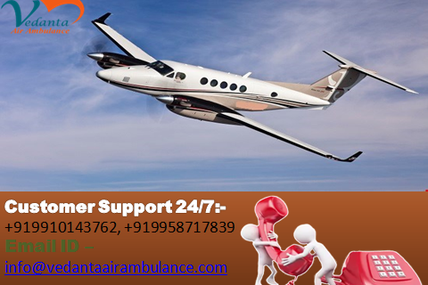 Well-trained and well-informed medical crew by Vedanta Air Ambulance in Delhi