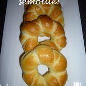 Petits pains à la semoule! - UneLiyaasDeBonnesChoses