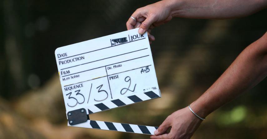 """""""Service volé"""", fiction adaptée du livre Isabelle Demongeot avec Julie de Bona en tournage pour TF1"""