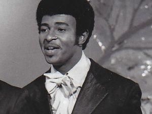 """dennis edwards, un chanteur américain qui fit partie du groupe the temptations avec """"papa was a rolling stone"""""""