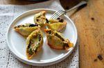Pâtes farcies au kale, courge, poireau, chanterelles et épices orientales