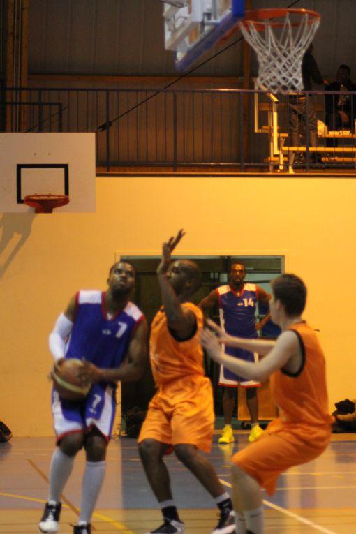 12/10/13 : Lourde défaite des Séniors 1 contre Ozoir-La-Ferrière, malgré une très belle première mi-temps !