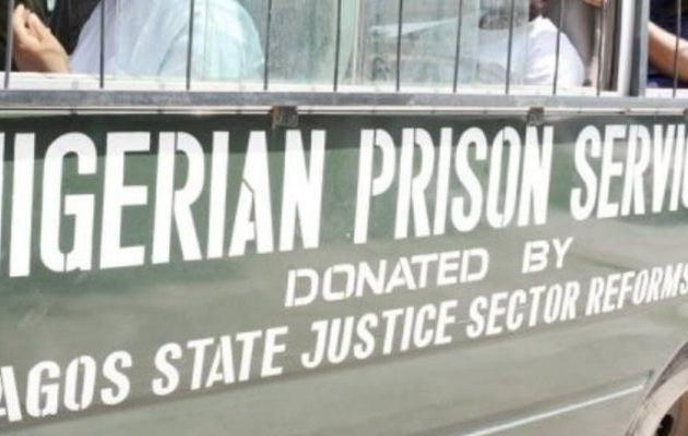 More than 1,800 prisoners escape after attack on Nigeria jail