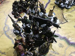 Osgiliath tombe ! Et Minas Tirith est bien assiégé, heureusement Gandalf vient pour neutraliser les Nazguls