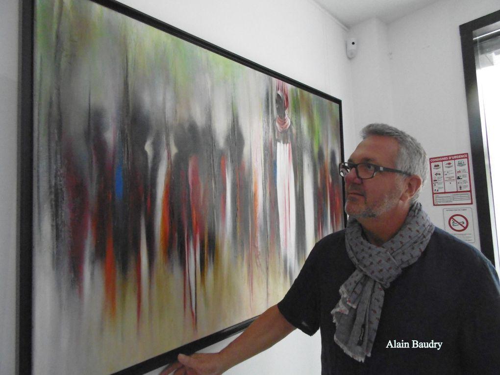 """"""" Je pars toujours de quelque chose qui existe.. qui passe sous mon regard..."""" Alain Baudry, des Gonds, nous emmène dans ses voyages.... là encore ses formes abstraites, suggestives voulant nous rapprocher au plus près de ses visions... peuvent nous enchanter... !"""