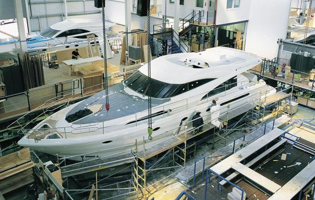 Fairline Yacht annonce 240 suppressions de postes