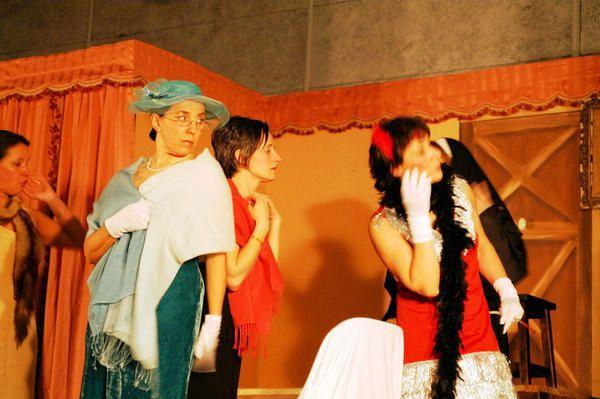 Par la troupe théâtrale de l'Amicale Laïque de St Bonnet près Riom 2 mars 2007 - Thuret La nuit de Valognes de Eric-Emmanuel SCHMITT, décline le mythe de Don Juan.