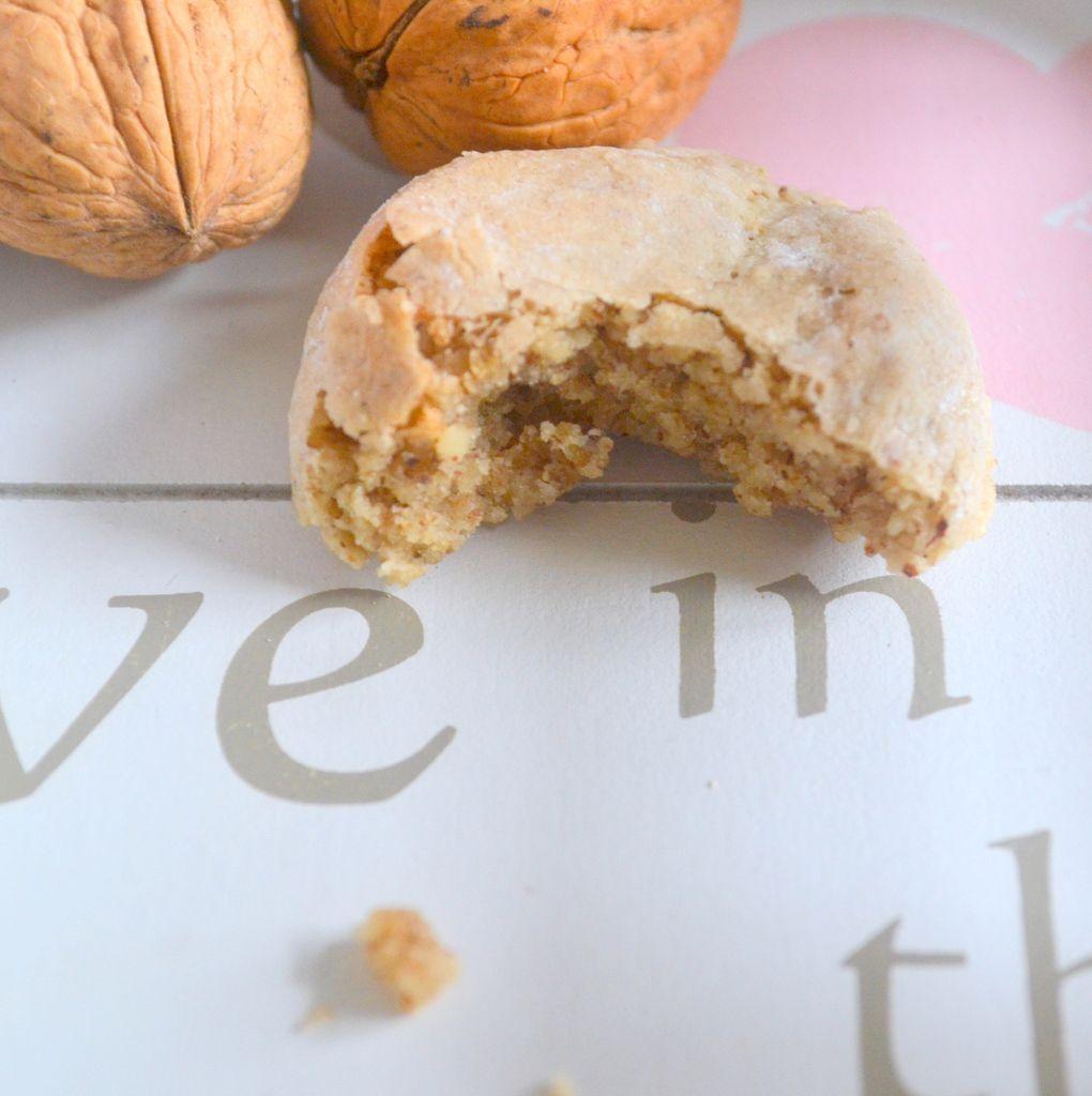 Gâteaux au noix et aux blancs d'oeuf