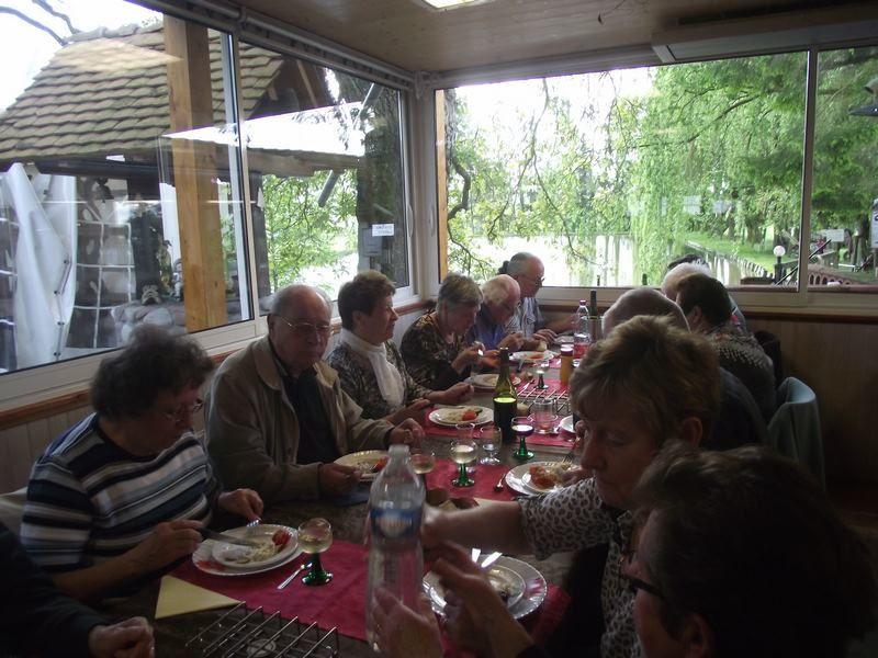 Carpes frites au Glockabruna avec les Anciens du Génie du Haut-Rhin
