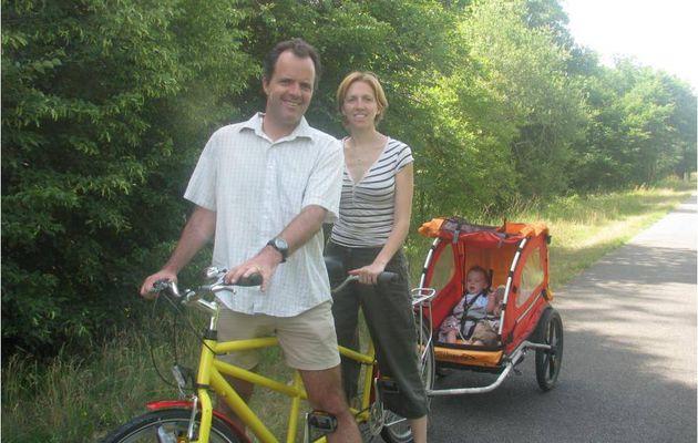 Vélo tandem avec carriole sur la voie verte - 15 juin 2011