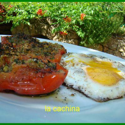 Tomates à la provençale à la poêle, très très classique