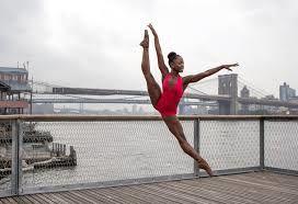 Imágenes de la bailarina holandesa de origen sierraleonés.- El Muni.