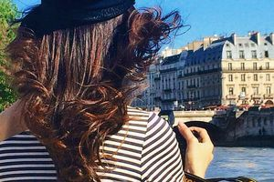 A sea air blows on Paris ⚓️🇫🇷 Soon on your blog ! www.sofrench.pro #sofrenchbynaty #Paris #ootd #seine #love  (à Seine, Paris)