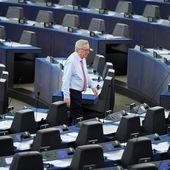 """""""Vous êtes ridicules !"""" : Juncker s'emporte à Strasbourg devant un Parlement presque vide - MOINS de BIENS PLUS de LIENS"""