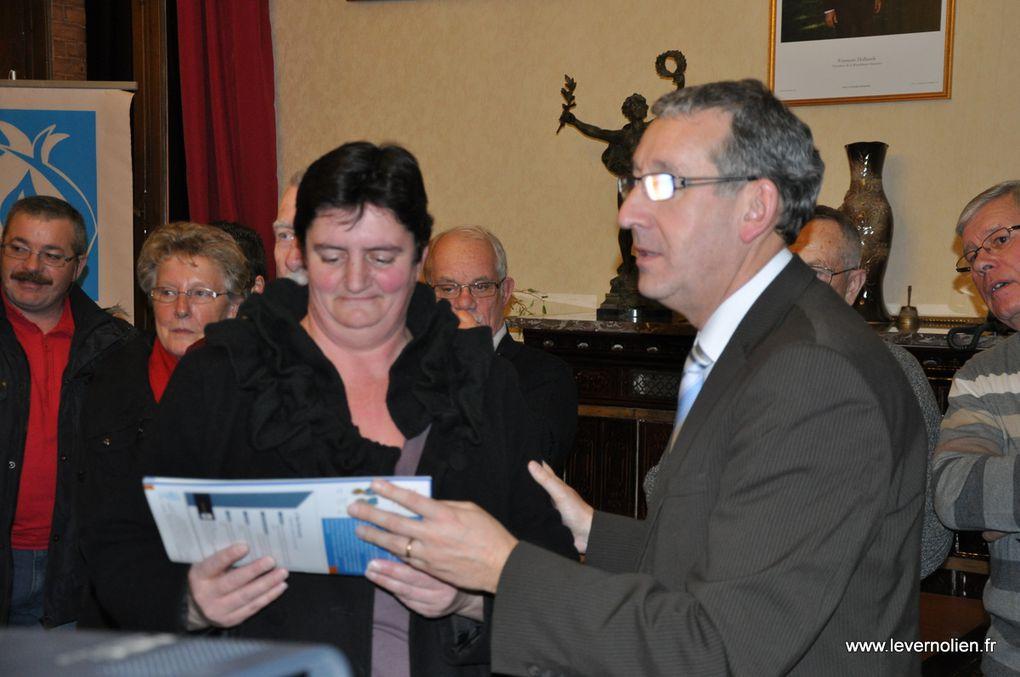 Remise des récompenses aux bénévoles à Pacy sur Eure par le comité de la FFMJS