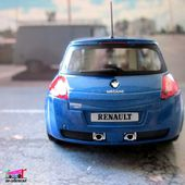 RENAULT MEGANE RS SPORT 2004 UNIVERSAL HOBBIES 1/43 - car-collector