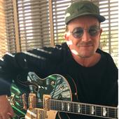 Bono vend sa guitare aux enchères pour un gala de charité 14/11/2016 - U2 BLOG