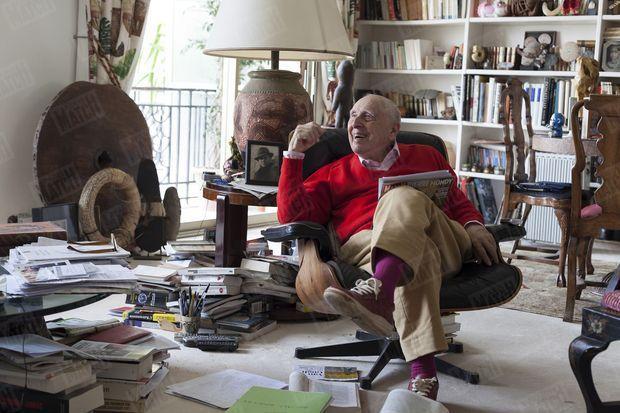 Daniel Cordier, chez lui à Cannes, en novembre 2012. © Kasia Wandycz / Paris Match