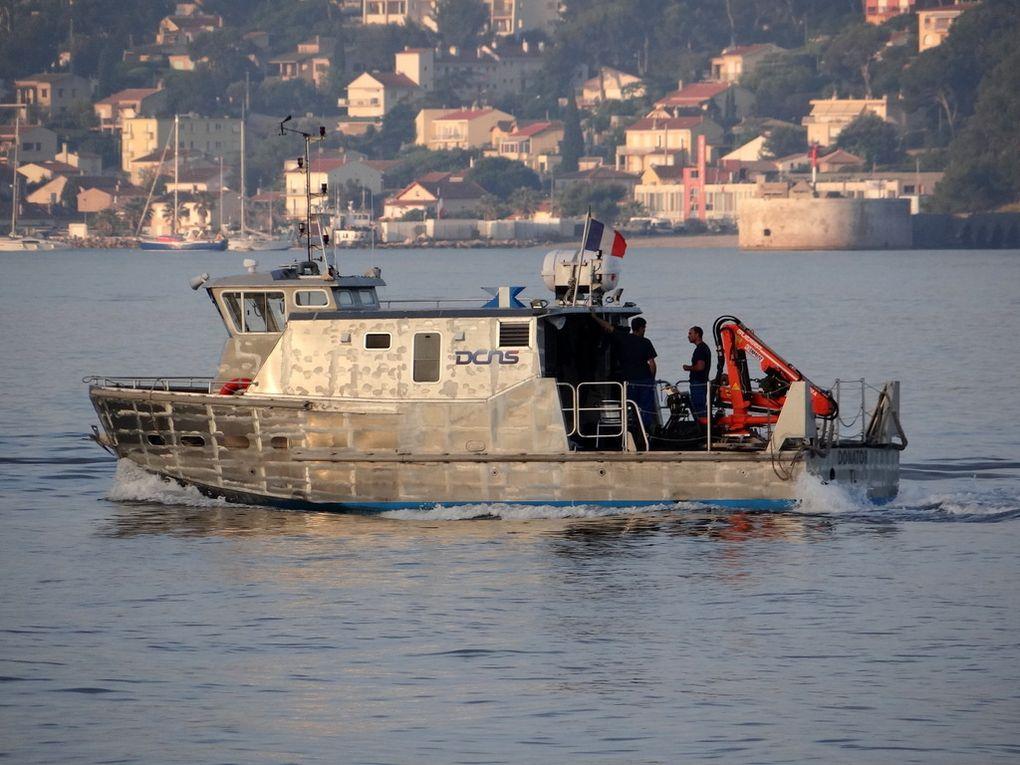 DONATOR , Vedette de DCNS en petite rade de Toulon le 09 juin 2016
