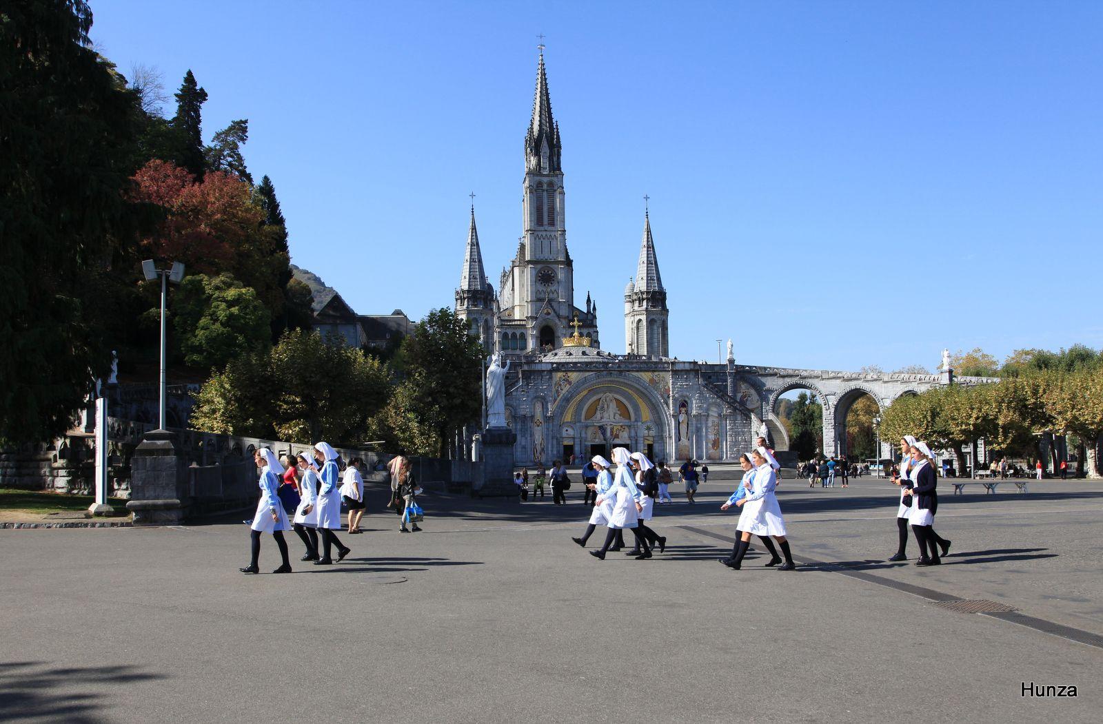 Lourdes, l'esplanade du Rosaire