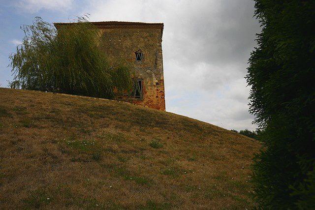 Diaporama église fortifiée et maison forte de Hontanx