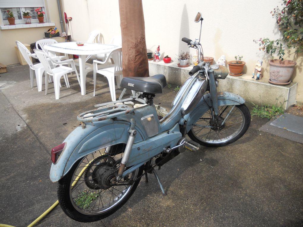Motoconfort AU88 du 31/07/1959 Année : 1964 N° cadre : 742...... N° moteur : 420..... Carburateur : Gurtner