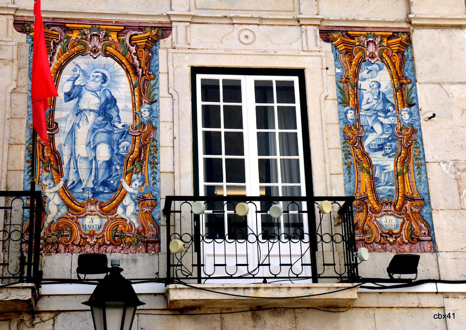 Mosaïques de la façade de la mairie de Cascais (Portugal)