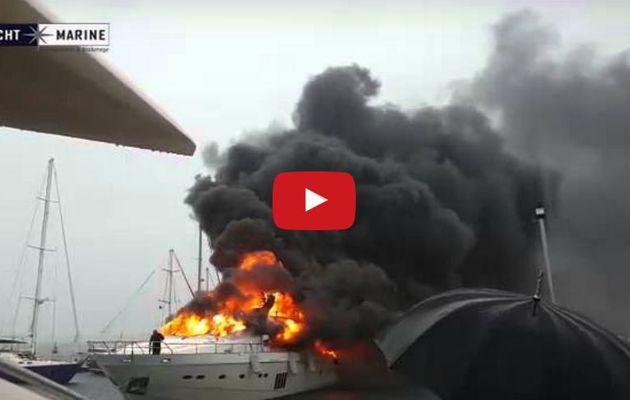 VIDEO - un yacht Princess 95 en flammes évacué d'une marina turque