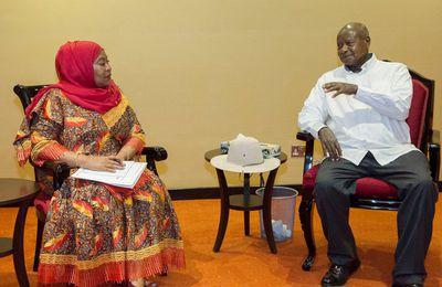 Ouganda/Tanzanie: Signature d'un protocole d'accord entre Yoweri Museveni, son homologue Samia Suluhu Hassan et des compagnies pétrolières pour la construction d'un Oléoduc