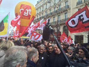 Les militants et parlementaires socialistes étaient présents et salués lors de la manifestation du 9 mars, tant par les personnes mobilisées que par les responsables syndicaux