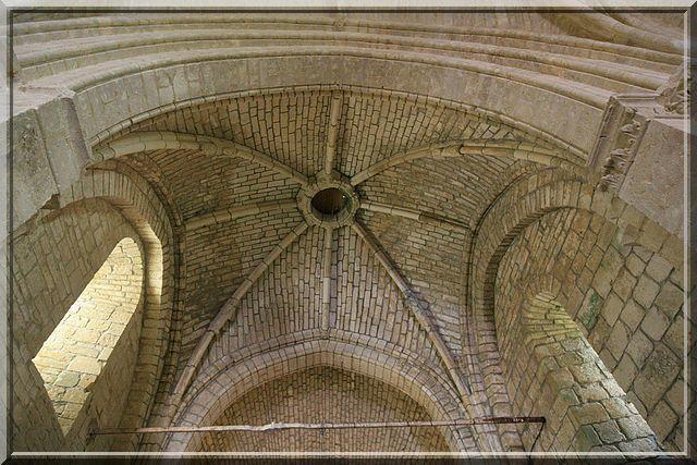 Diaporama église fortifiée de Vandré