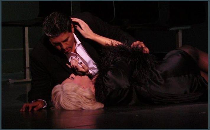 Amanda Echalaz (Manon Lescaut) et Hector Sandoval (Des Grieux)