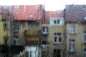 Gestion de crise : De l'art de positiver en trouvant des avantages à la pluie…