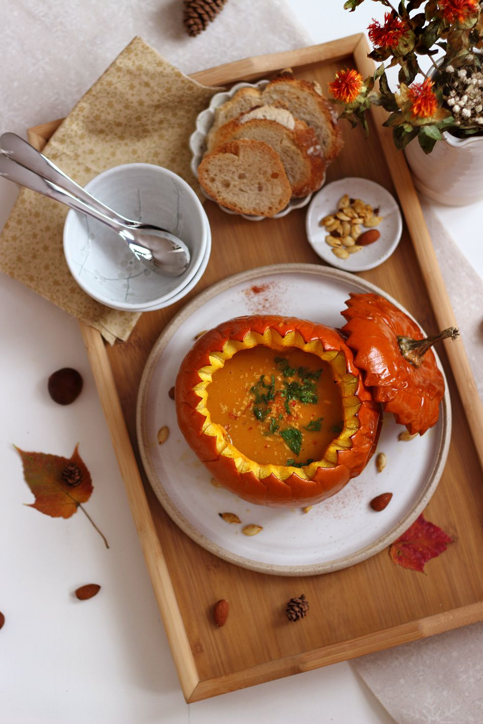 Soupe de potimarron, noisette et persil plat