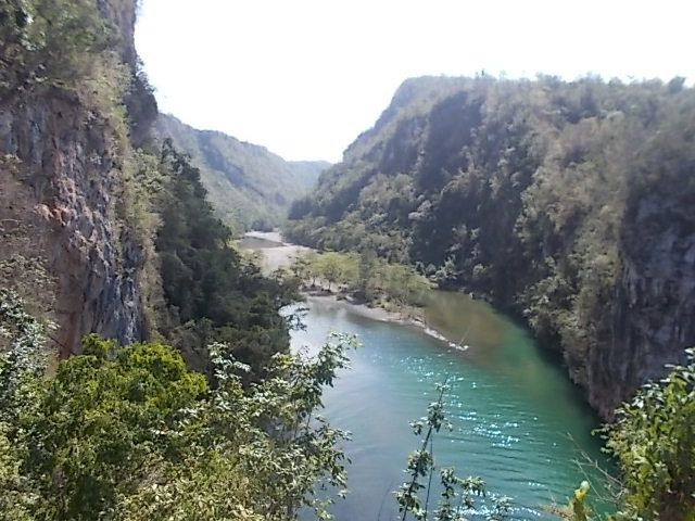 en allant ver s le rio Yumuri, baie Mata, les polymitas, visite exploitation artisanale de cacao