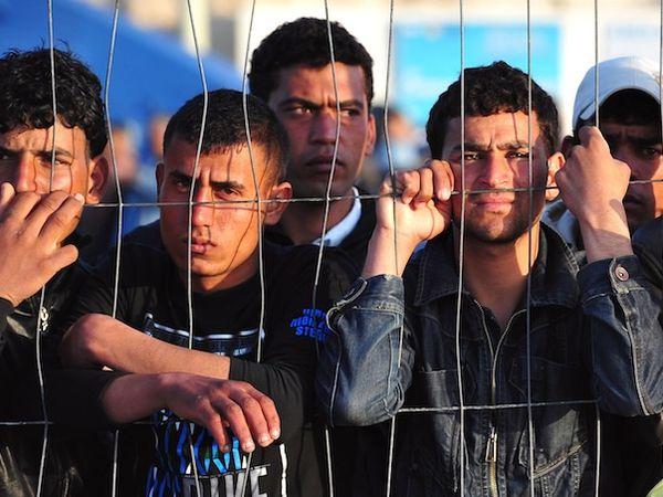 L'immigration coûte à l'Italie 1 milliard d'euros ;  Lyon cercle de silence de mars 2016