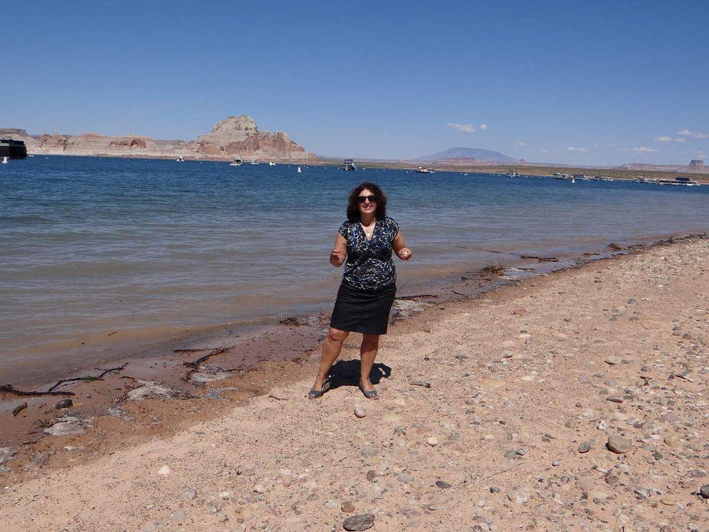 Le lac:  Clickez pour faire défiler.