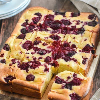 Gâteau aux pommes et framboises