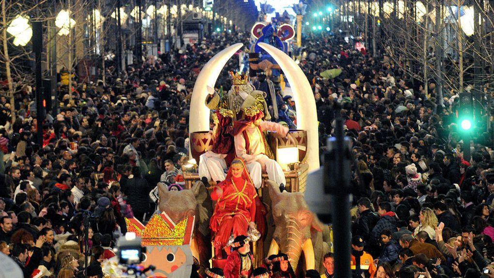 Imágenes de las polémicas cabalgatas madrileñas de Reyes Magos en la era Carmena.- El Muni.