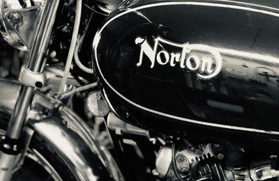 NORTON COMMANDO 750 DE 1972