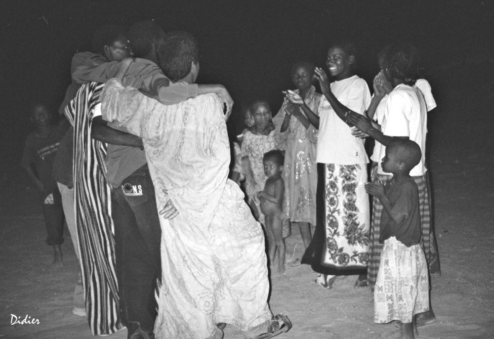 """Voyage humanitaire au NIGER avec l'association """"ACTION-SOLIDAIRE-NIGER"""" présidée par Annick GIOS pour la restauration d'une école Touareg"""
