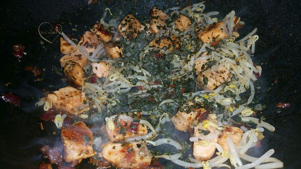 Wok de vermicelles sautés au saumon frais