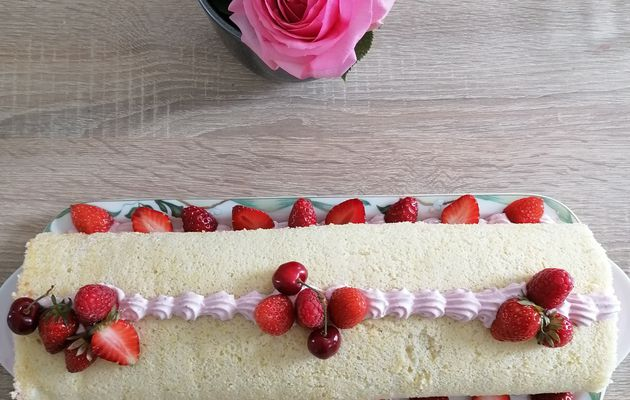 Roulé au fraises de Cyril Lignac