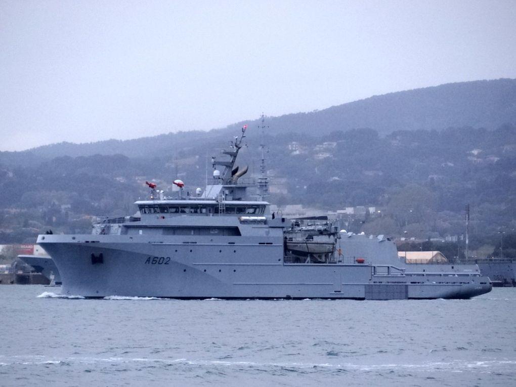 LOIRE A602, batiment de soutien et d'assistance hauturière ( BSAH )  appareillant de Toulon le 09 avril 2018