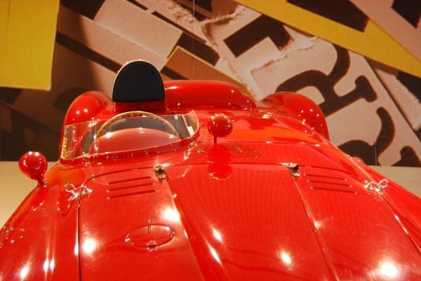 La Galleria Ferrari è in via Dino Ferrari 43 a Maranello, a circa 18 Km da Modena, a pochi passi dagli stabilimenti Ferrari e dalla pista di Fiorano, circuito di prove della Scuderia Ferrari.  Photos: Emmanuel CRIVAT (2008)